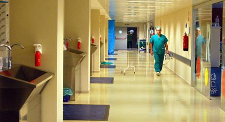Murcia | El Servicio Murciano de Salud declara el mes de agosto inhábil para que se procesen los procesos selectivos de las OPE
